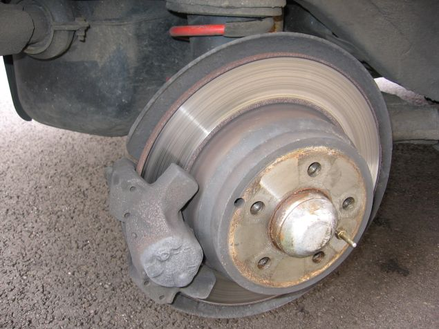 Brakes 850 How To Replace Rear Brake Pads And Disks